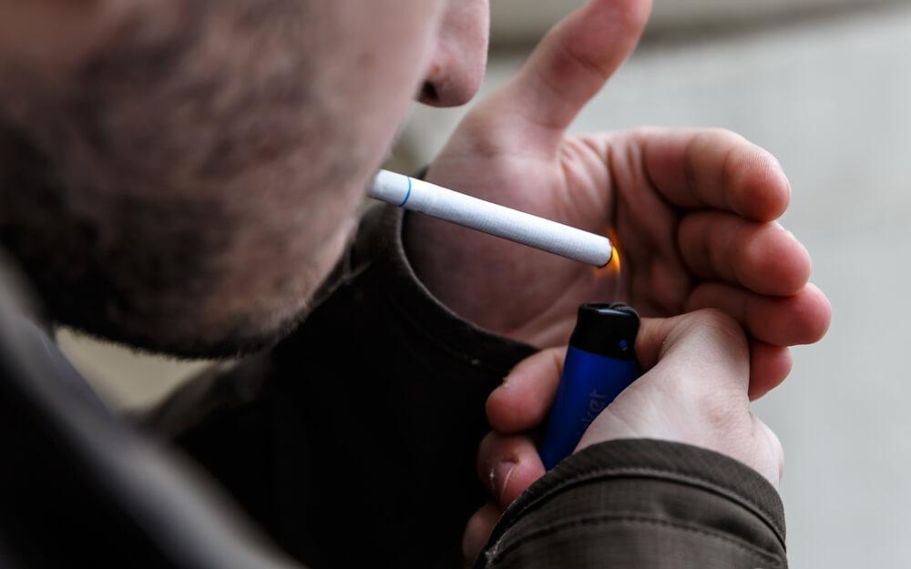 導致生暗瘡的不良習慣-吸煙