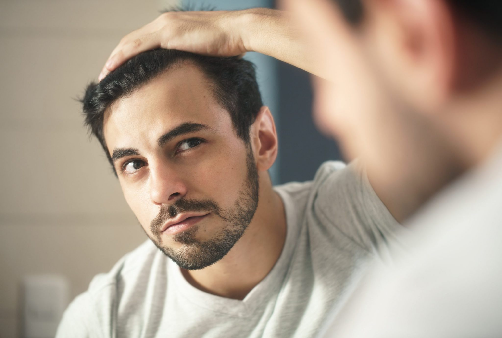 甩頭髮-脫髮-原因-治療
